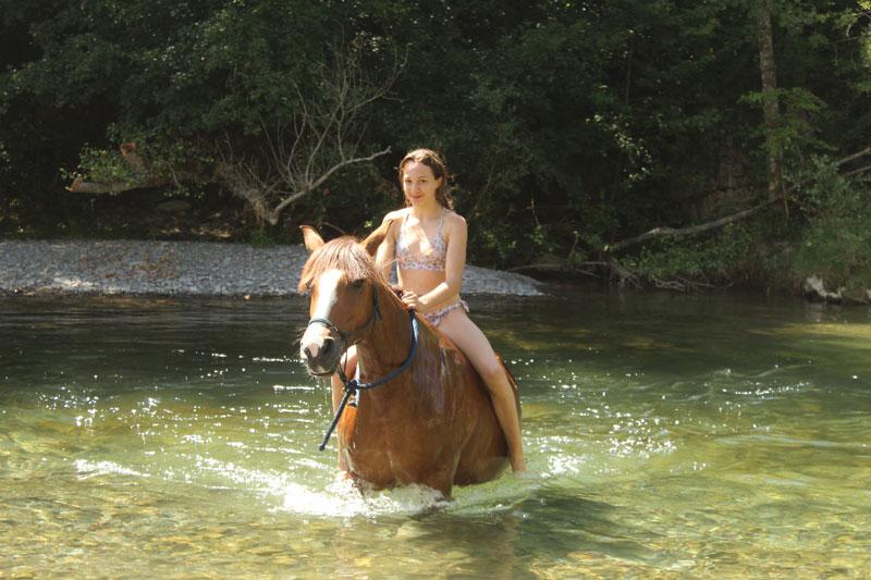 campamentos con caballos en el pirineo